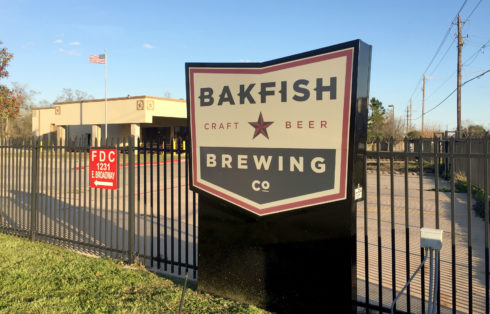 bakfish-brewing-co-signage
